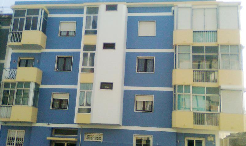 Pintura de casas interiores e exteriores em Alcabideche